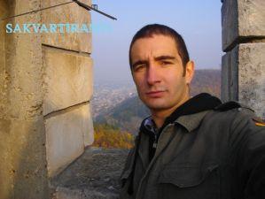 Мирослав търси квартира